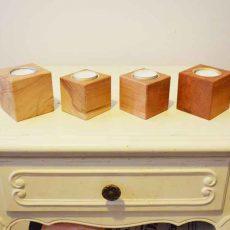 Houten kubus kandelaar