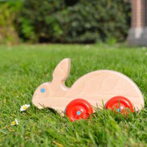 houten speelgoed haas op wielen